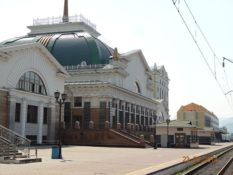 Жд_вокзал_-_panoramio_(5).jpg