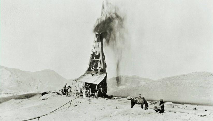 1906 part 1 of 1 - first oil gush.jpg