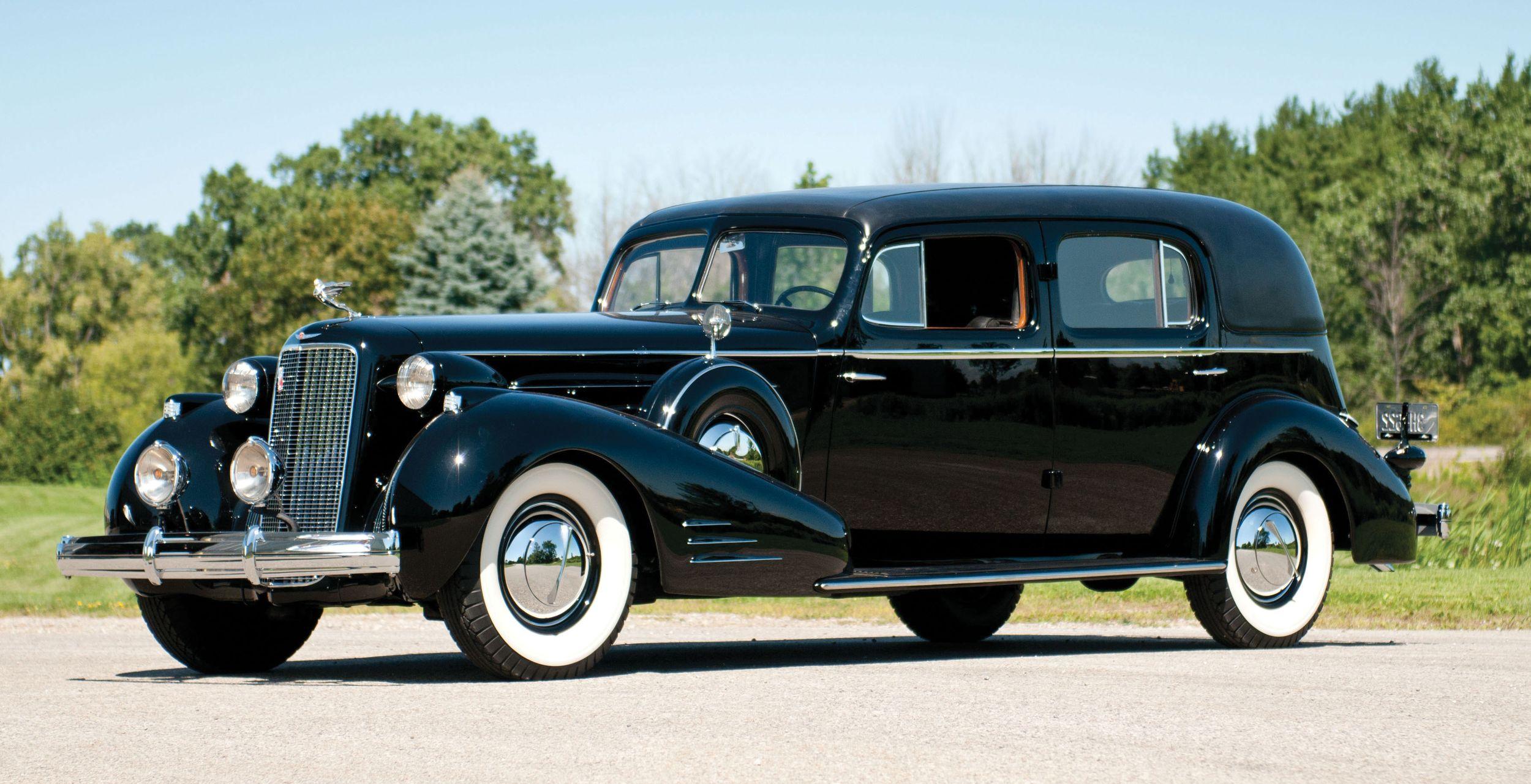1937-Cadillac-V-16-Custom-Imperial-courtesy-Auctions-America.jpg