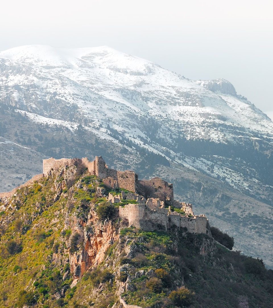 1_the_castle_of_mystras_and_taygetus_mountain_at_the_background-1.jpg