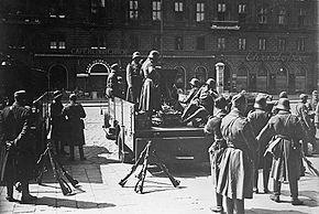 290px-Bundesarchiv_Bild_102-00805,_Wien,_Februarkämpfe,_Bundesheer_2.jpg