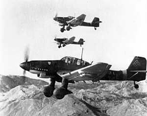 300px-Junkers_Ju_87Ds_in_flight_Oct_1943.jpg
