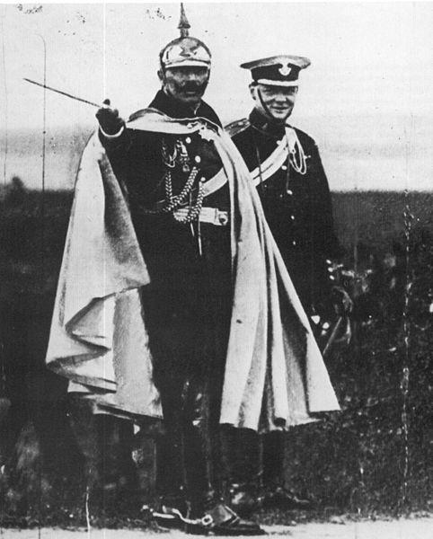 482px-Churchill_und_Wilhelm_II._%281906%29.jpg