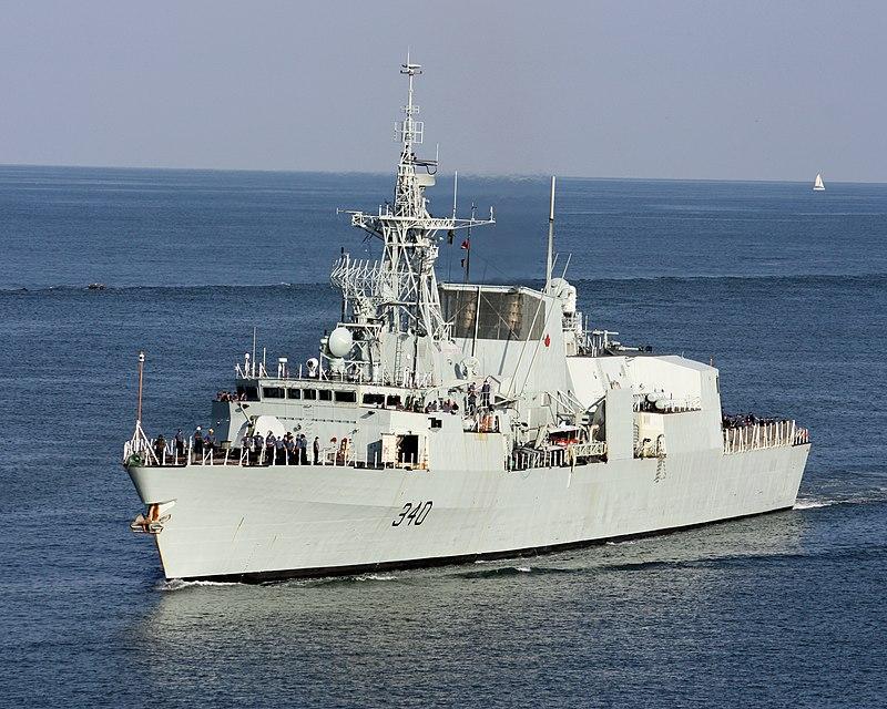 800px-HMCS_St._John's_(FFH_340)_off_Charleston,_South_Carolina_(USA),_on_23_August_2010.jpg