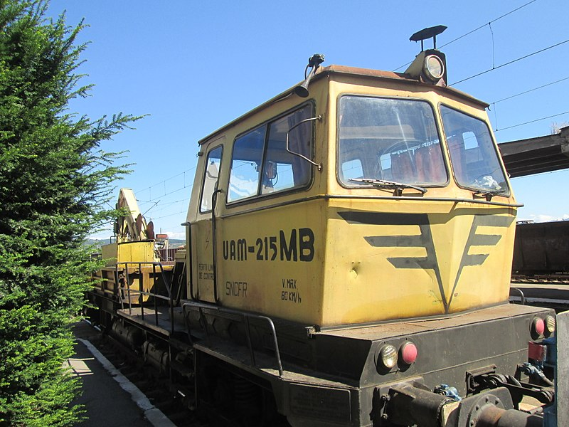 800px-MARUB_UAM-215MB_railway_work_vehicle.jpg