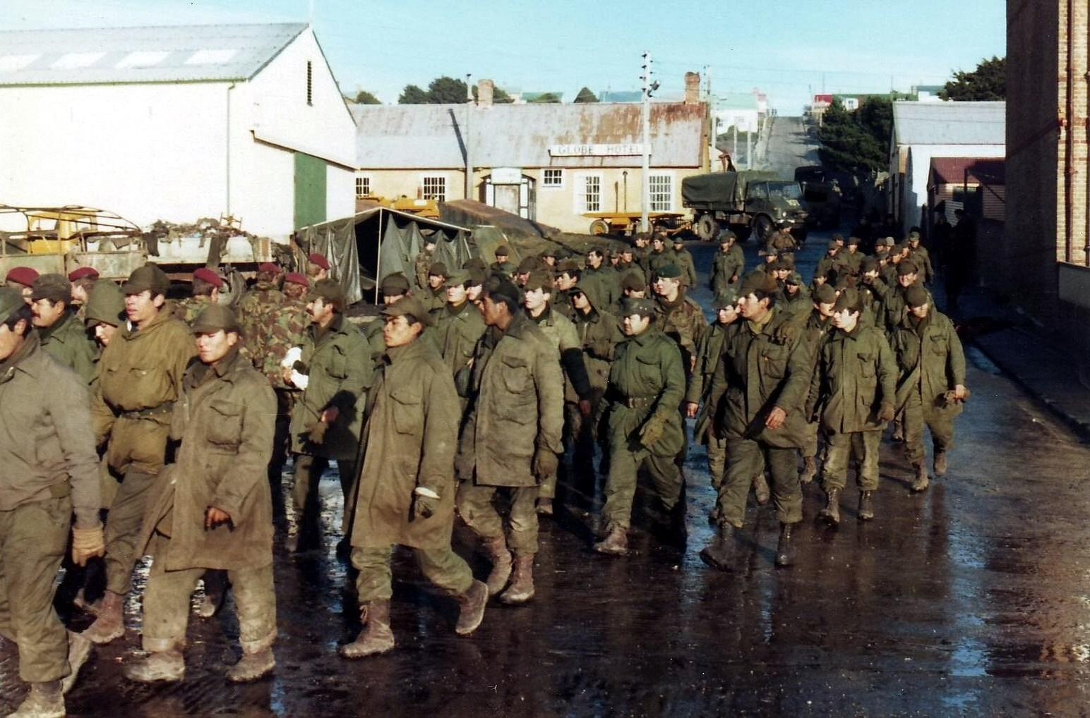 Argentine_prisoners_of_war_-_Port_Stanley.JPG