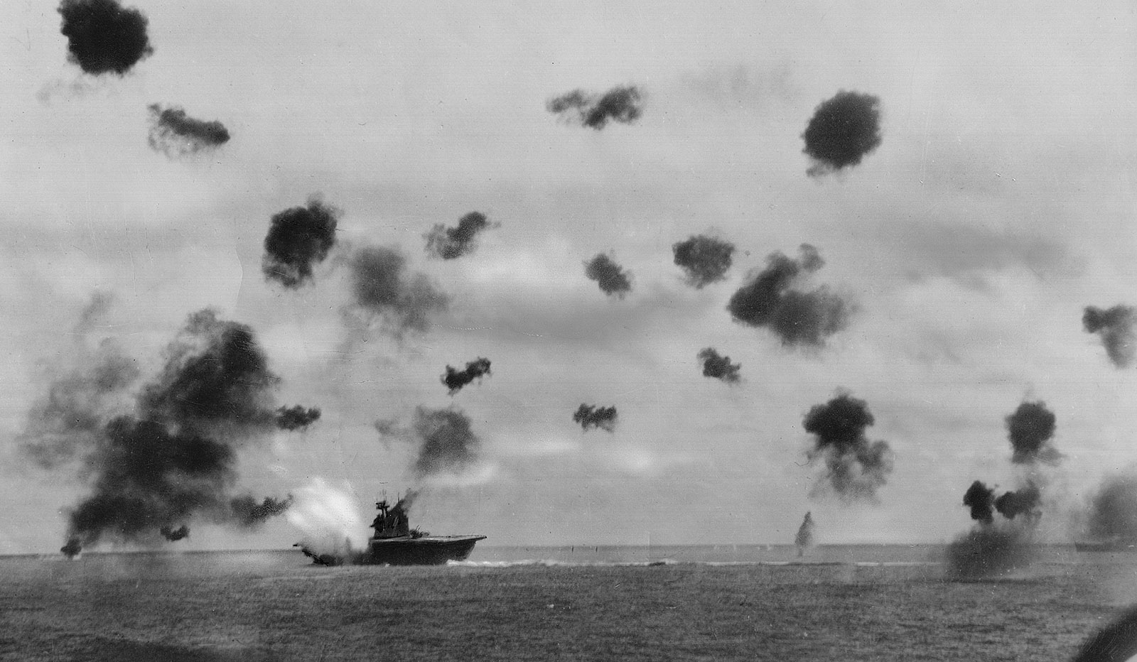 Battle-of-Midway-6-1942.jpg