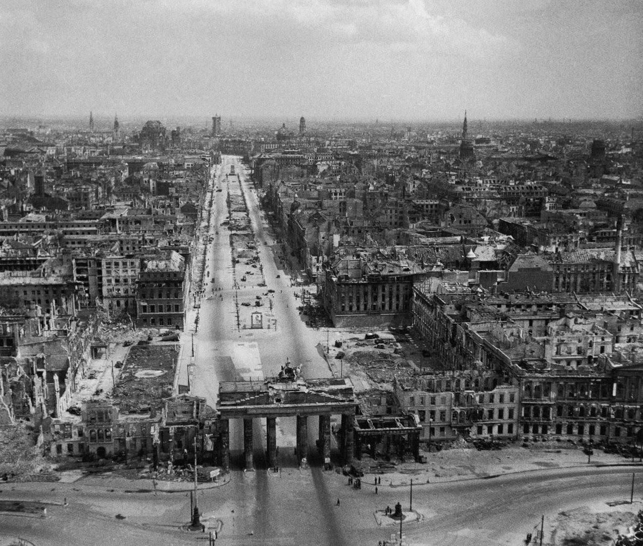 Berlin in 1945.jpg