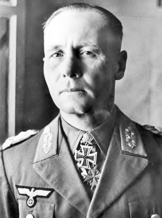 Bundesarchiv_Bild_146-1977-018-13A,_Erwin_Rommel(brighter).jpg