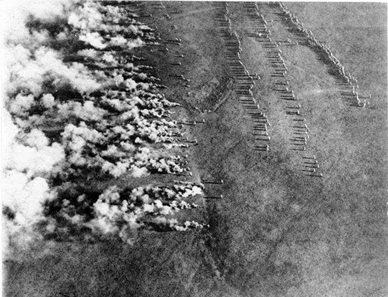 Bundesarchiv_Bild_183-F0313-0208-007,_Gaskrieg_(Luftbild).jpg