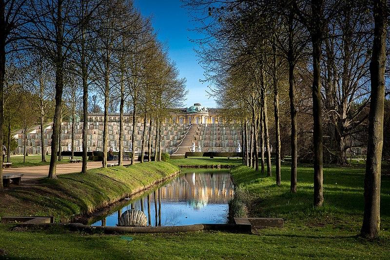 castle_sanssouci_-227440131-jpeg.629022