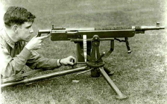 Colt-Browning_M1895_machine_gun_mid-cycle.jpg