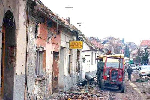 Croatian_War_1991_Vukovar_street.jpg