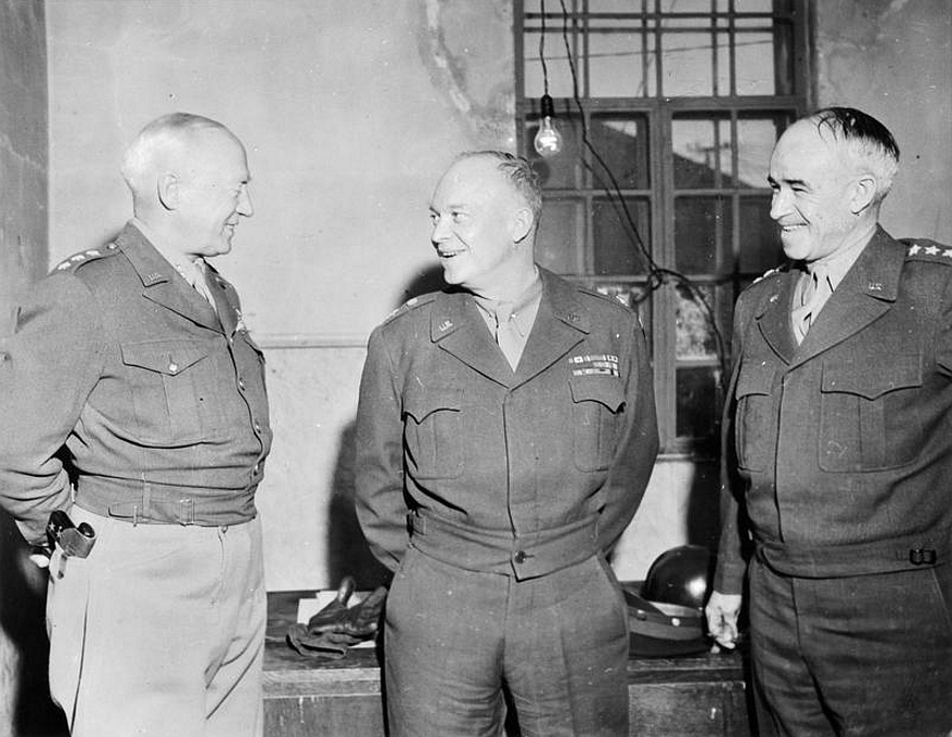 Dwight_D._Eisenhower,_Omar_N._Bradley,_and_George_S._Patton.jpg