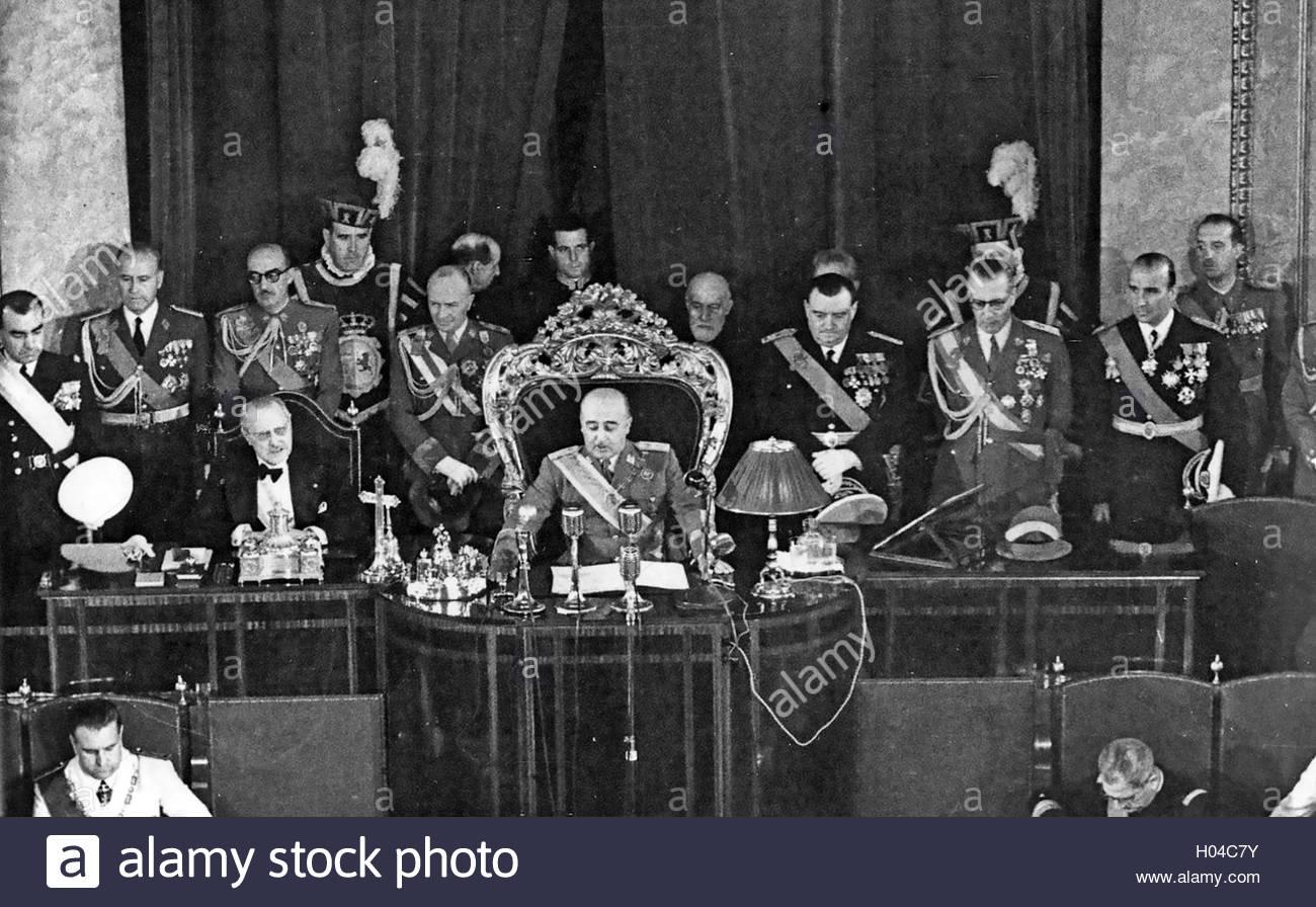 francisco-franco-1892-1975-spanish-caudilo-making-a-speech-to-parliament-H04C7Y.jpg