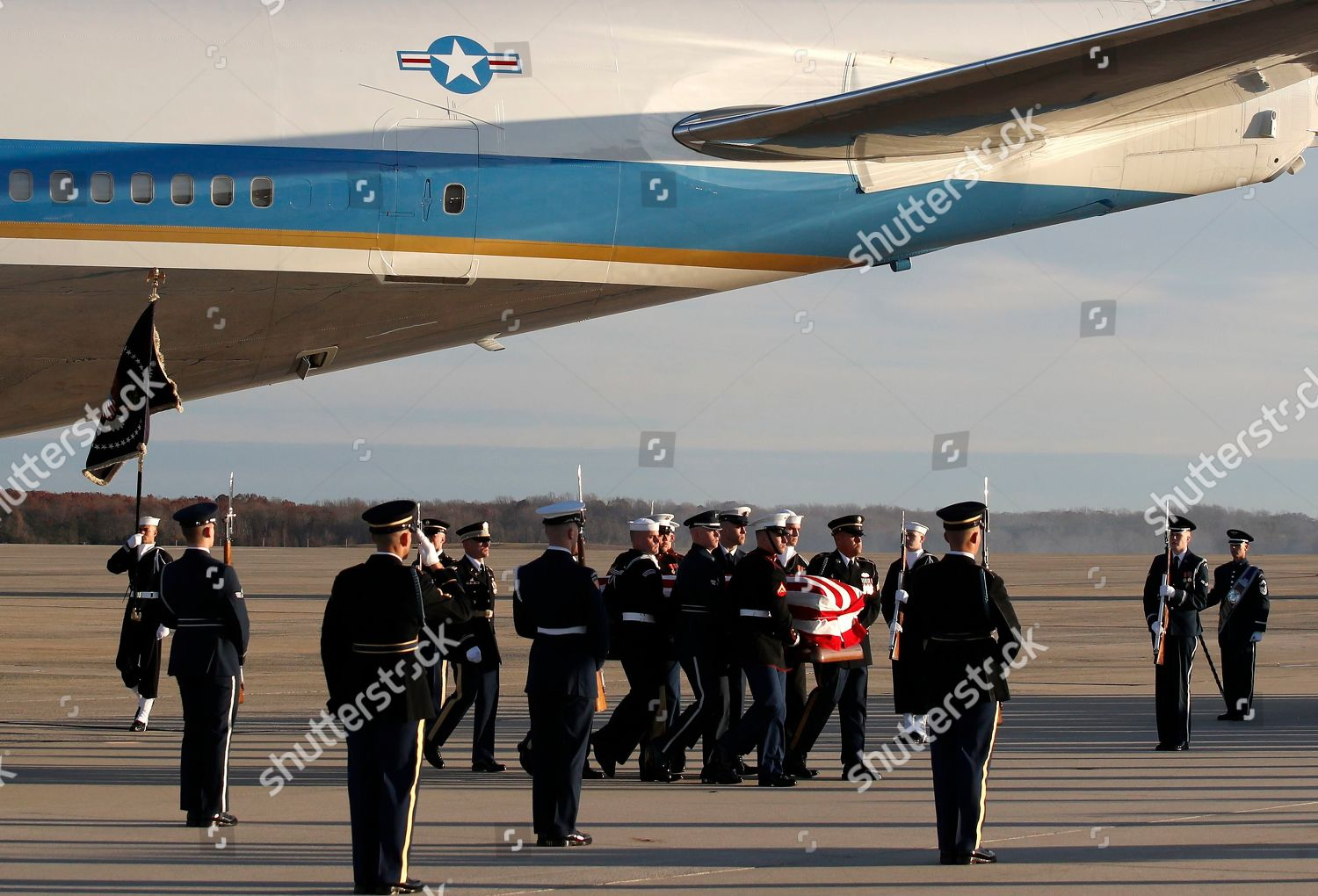 george-h-w-bush-dies-at-94-andrews-air-force-base-usa-shutterstock-editorial-10012768o.jpg
