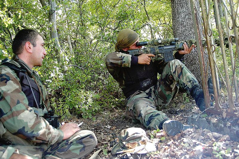 Georgian_sniper_during_South_Ossetia_war.jpg