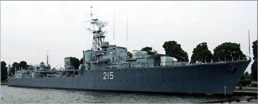 hmcs-haida-twin-gun-tribal-class-destroyer-danielle-parent.jpg