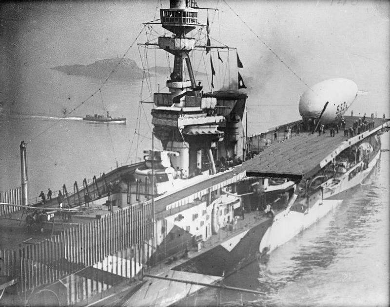 HMS_Furious_1918_reardeck-flyaroundCoversion.jpg