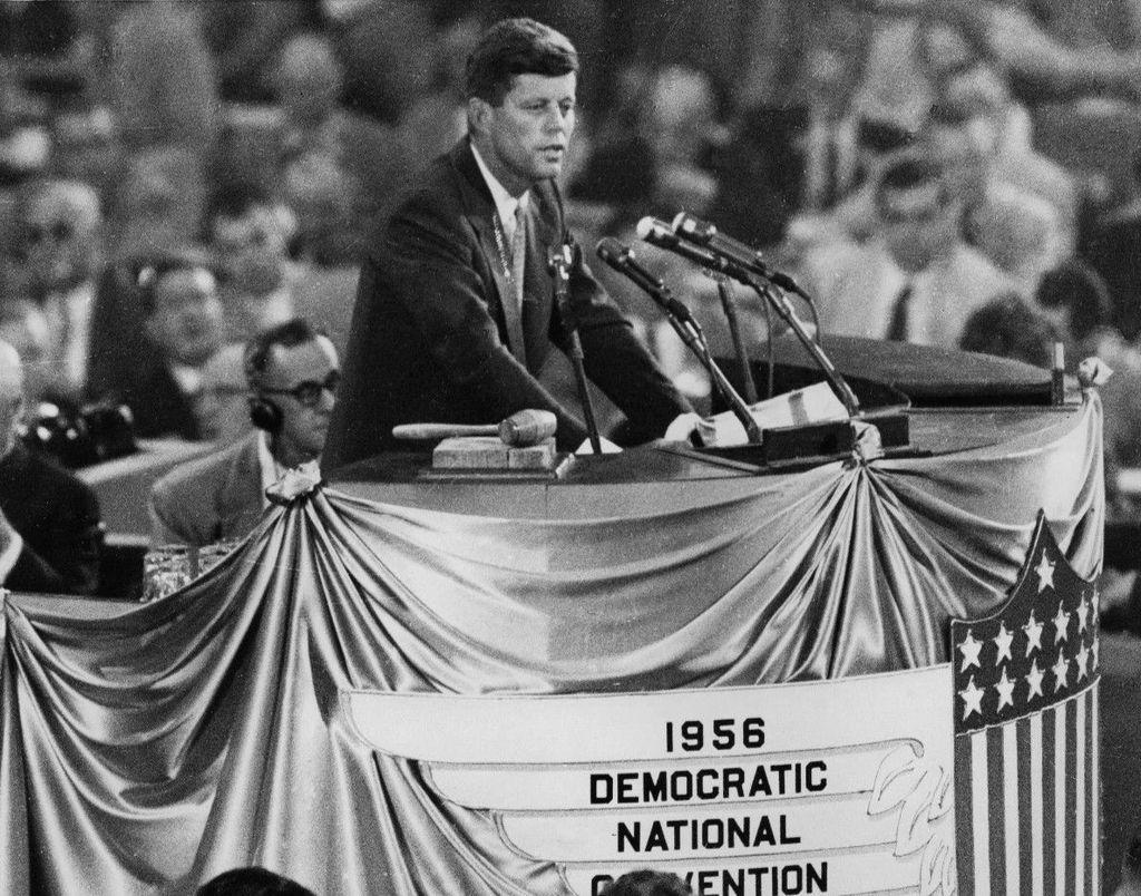 John_F._Kennedy_nominates_Adlai_Stevenson_1956.JPG