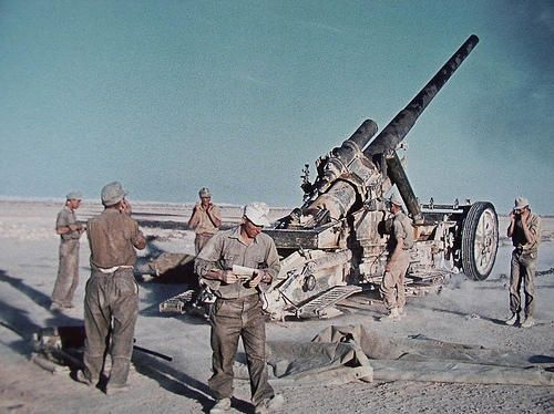 Kanone_17_in_use_with_the_DAK_in_North_Africa_circa_1941.jpg