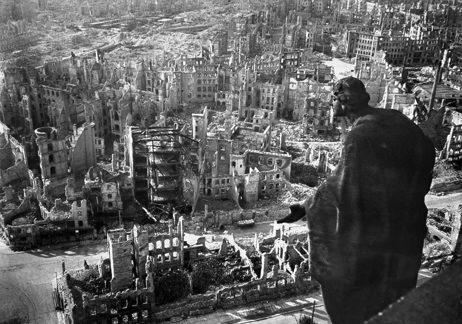 Last_days_of_Nazi_Germany (18).jpg