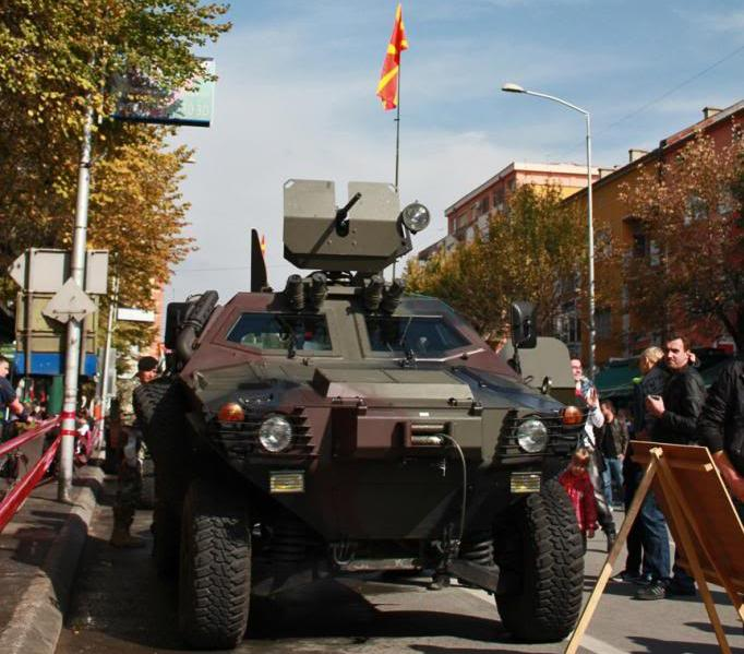 Macedonian_Army_Cobra_4x4.jpg