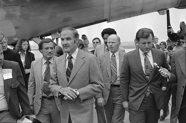 McGoverning Best Laid Plans McGovern Kennedy Mankiewicz quizzed Medicare 1973.jpg