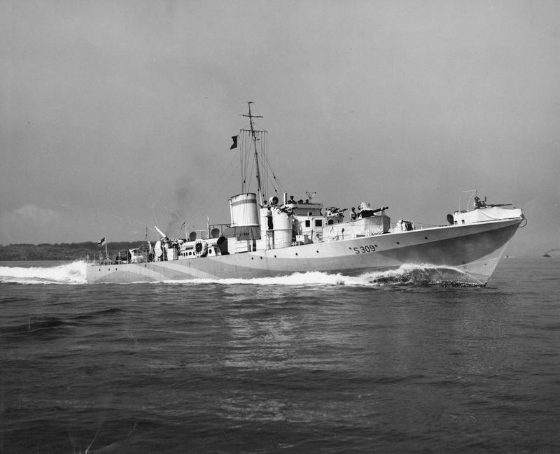 Motor_Gun_Boats_during_the_Second_World_War,_1939-1945_HU105409.jpg