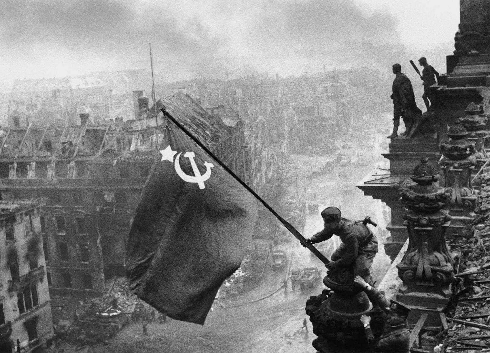 PAY-Reichstags-Fall.jpg