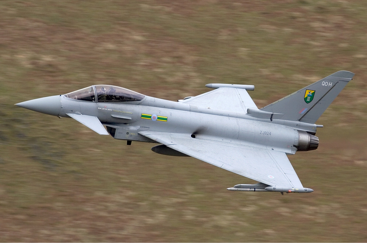 RAF_Eurofighter_EF-2000_Typhoon_F2_Lofting-1.jpg