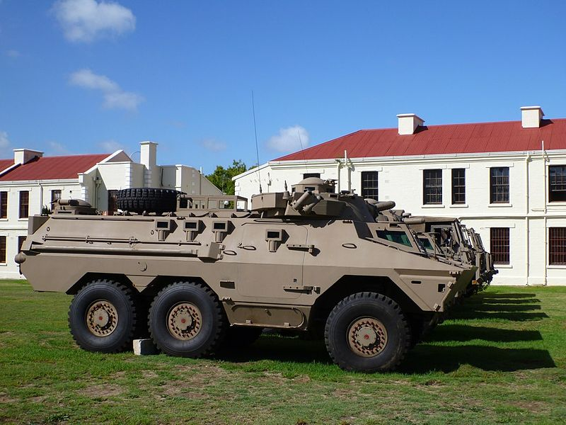 Ratel_IFV_at_the_Castle,_Cape_Town.jpg