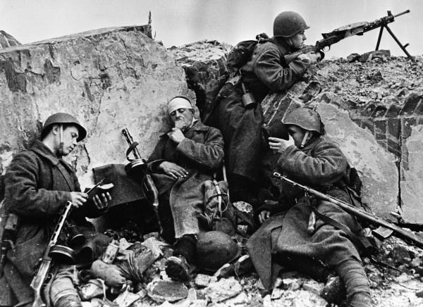 RIAN_archive_61150_Great_Patriotic_War.jpg