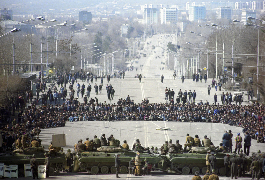 RIAN_archive_699865_Dushanbe_riots,_February_1990 (1).jpg
