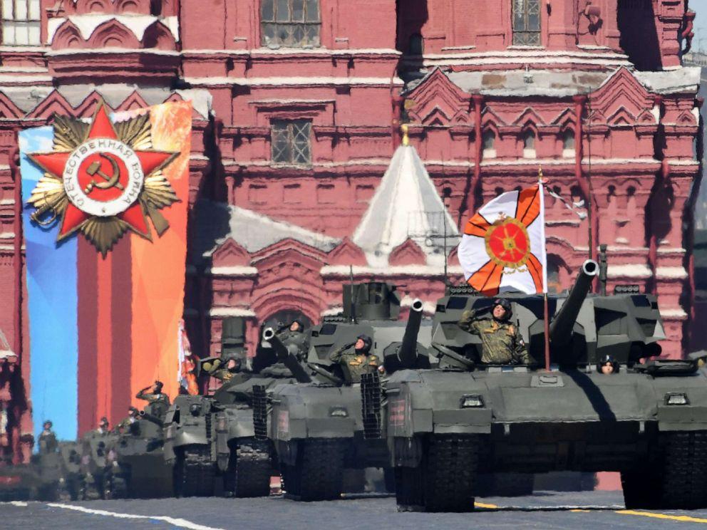 russia-victory-parade-gty-aa-191108_hpMain_4x3_992.jpg