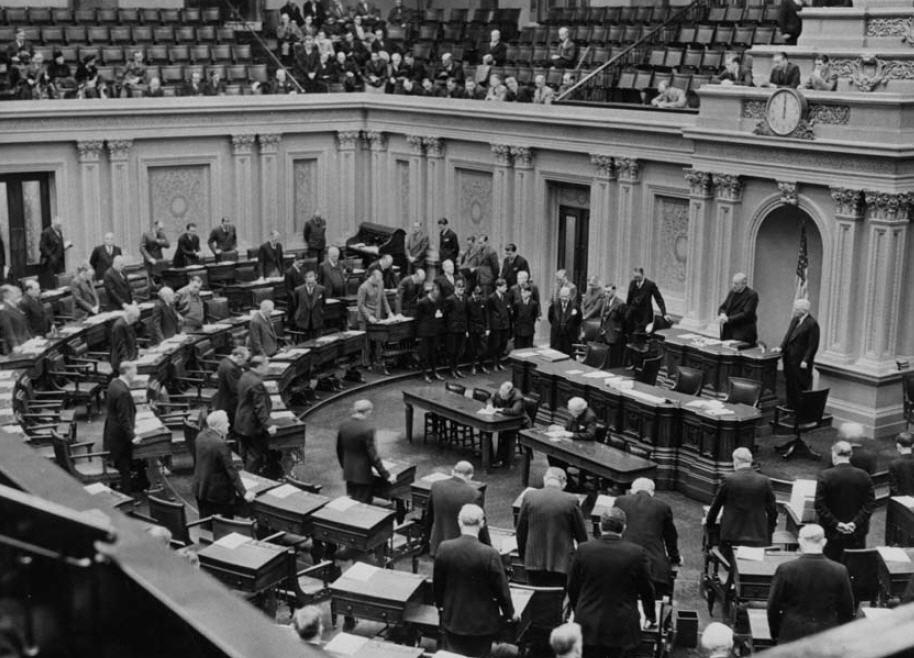 Senate_Chaplain_delivers_prayer_1939.jpg