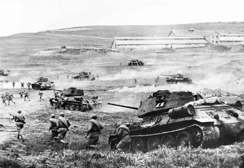 t-34-85s-3rd-ukrainian-front-in-april-1944.jpg