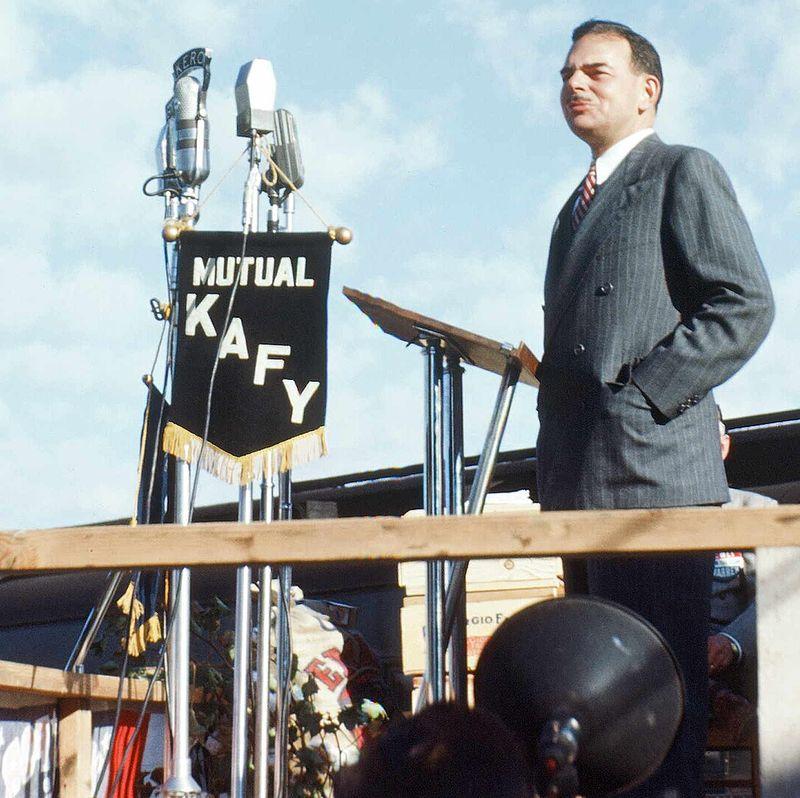 Thomas_Dewey_at_Bakersfield_September_1948.jpg