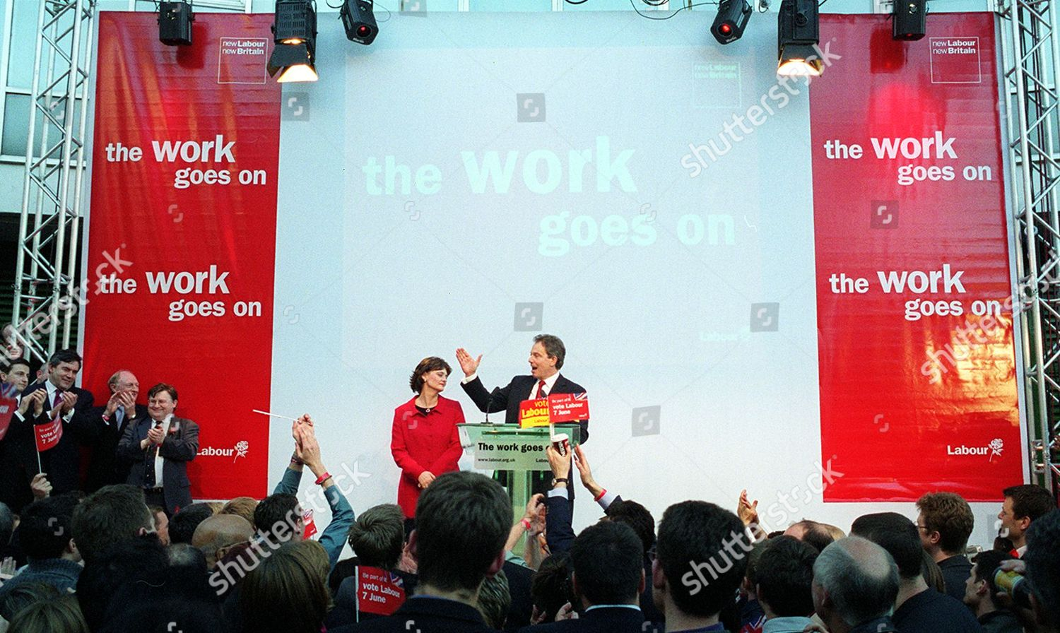 tony-blair-and-cherie-blair-general-election-2001-labour-victory-scenes-at-millbank-addressing...jpg