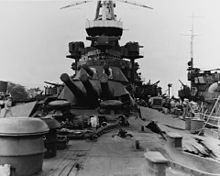 USS_Nevada_Bow_damage_after_Pearl_harbor_attack.jpg