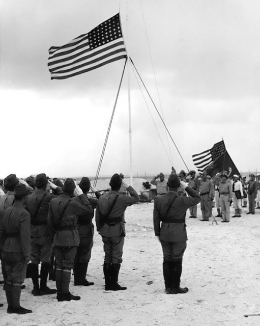Wake_island_1945_surrender-511x640.jpg