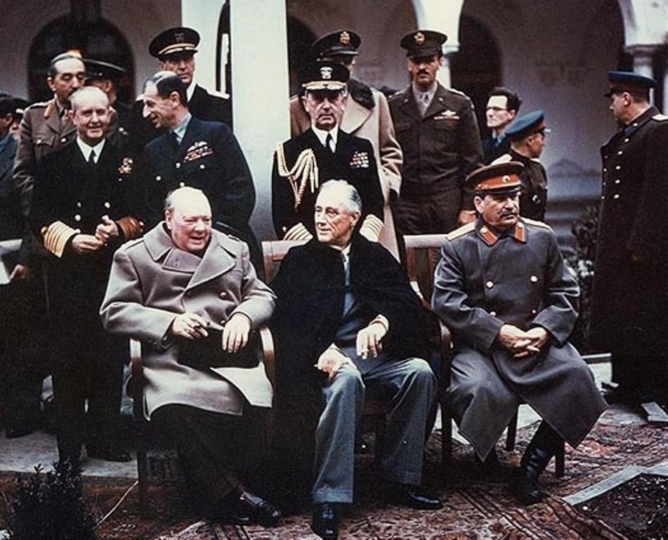 Yalta_summit_1945_with_Churchill,_Roosevelt,_Stalin.jpg