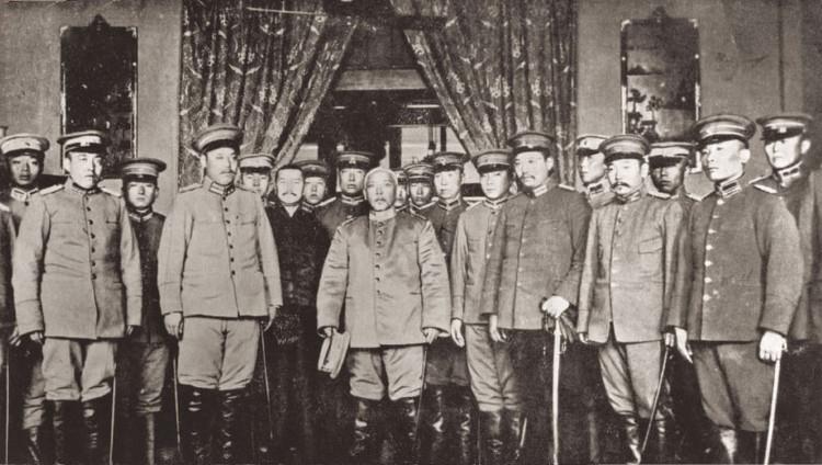 Yuan_Shikai_sworn_in_as_Provisional_President_-_10_March_1912.jpg